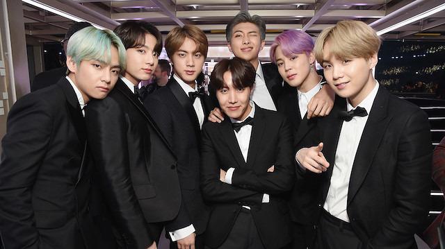 Güney Kore'nin ünlü müzik grubu BTS askerlik yolunda
