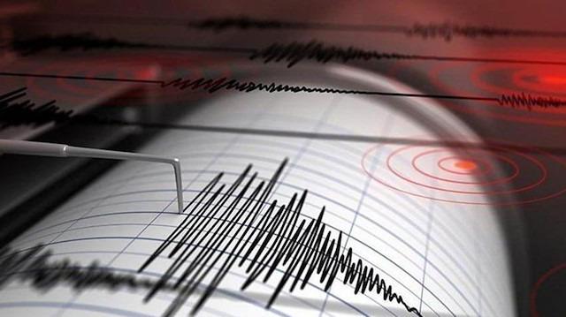 Uzmana sorduk: 'Deprem anında telefonlar neden çekmedi?'