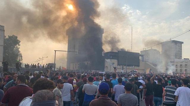 Bağdat'ta protestolar: 3 ölü, 60 yaralı