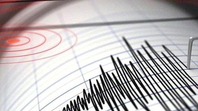 Akdeniz'de 5 büyüklüğünde deprem: Birçok ilden hissedildi