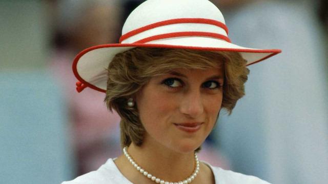 The Crown dizisi Prenses Diana'nın hikayesini başlatıyor