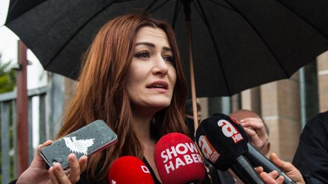 Deniz Çakır başörtülü kadınlara hakaret ettiği gerekçesiyle hakim karşısına çıktı