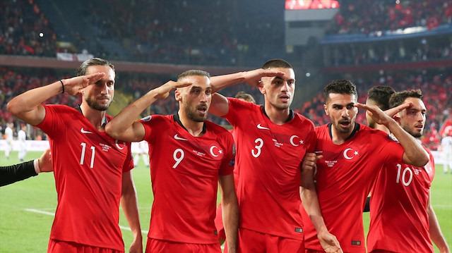 UEFA'nın çifte standardı: 'Griezmann'a ses yok Milliler'e var!'