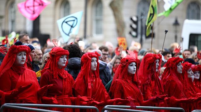 'Yokoluş İsyanı' adlı çevreci grubun işgal eylemi sürüyor: Ne istiyorlar?
