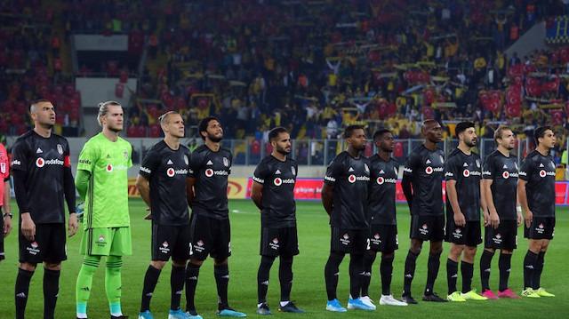 Beşiktaş derbi öncesi puan kaybetti