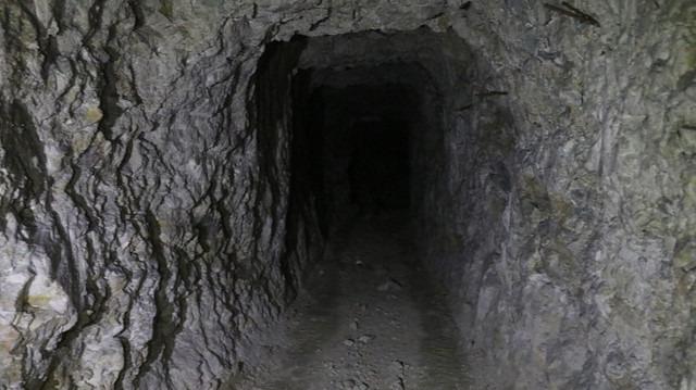Teröristler örümcek ağı gibi sarmış! Tünele giren Türkiye'den çıkıyor