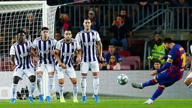 Messi'den 50. frikik golü
