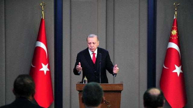 Cumhurbaşkanı Erdoğan'dan UEFA'ya asker selamı tepkisi