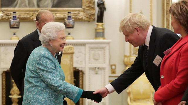 Boris Johnson istedi, Kraliçe onayladı: İngiltere'de parlamento feshedildi