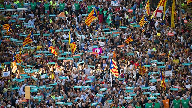 İspanya 'belirsizlikler'in çıkışını sandıkta arıyor