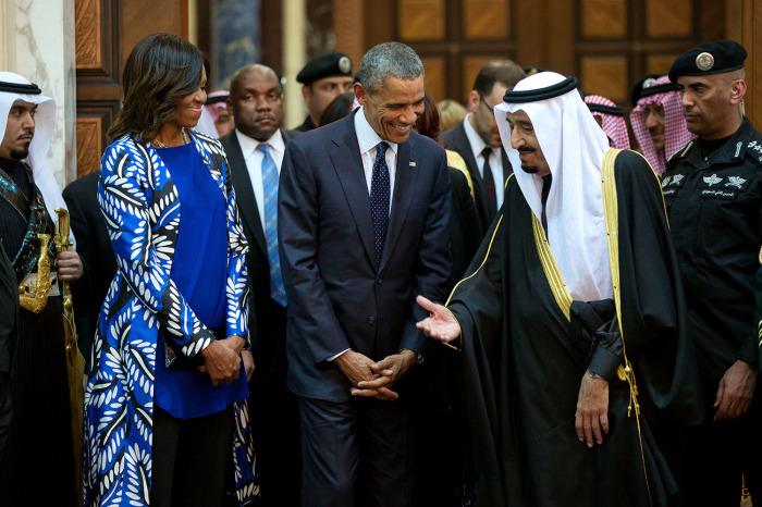 Riyad'da başını örtmeyi reddetti!