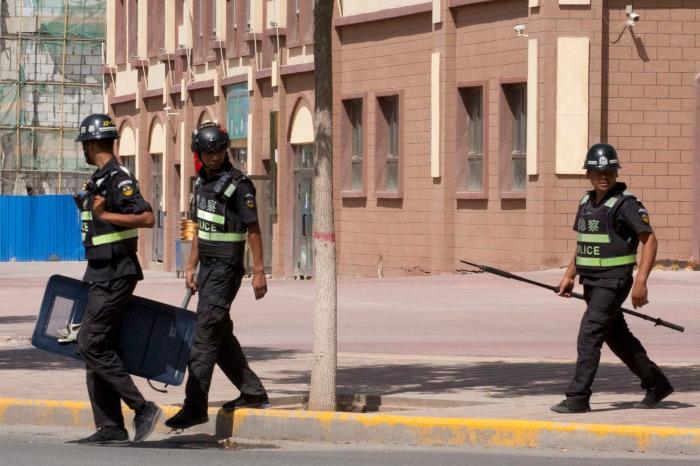 Çin, Uygurlara mobil takip ve denetim uyguluyor