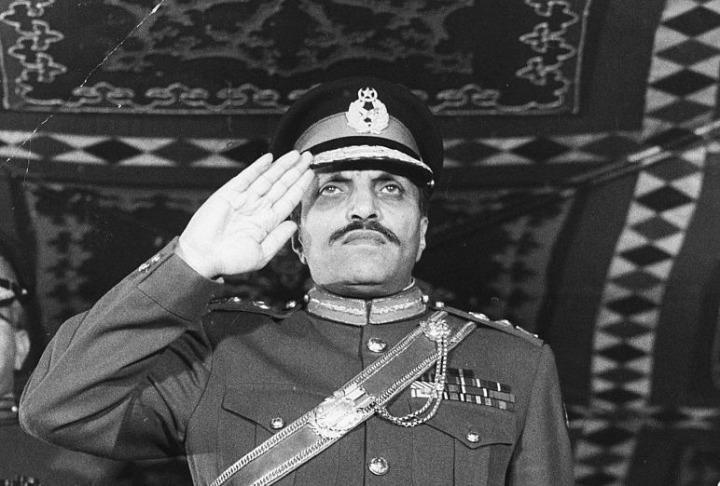 Dönemin Pakistan Cumhurbaşkanı Ziyaulhakk, Kral Hüseyin'in çağrısı üzerine Ürdüne'e gelerek Filistinlilere karşı yürütülen operasyonlara destek vermişti.