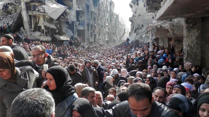 Bu kez de Suriye rejimi tarafından sürgüne mecbur edilen Filistinliler, Yermük'ten ayrılarak, muhtelif yerlerdeki mülteci kamplarının yolunu tuttular.