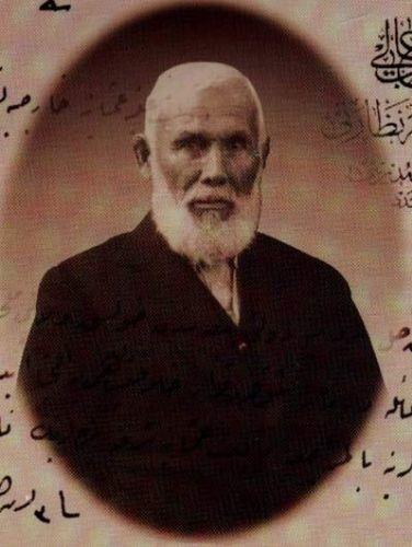 Osmanlı coğrafyasının yanı sıra, Uzak Asya'ya da büyük ilgi gösteren Abdurreşid İbrahim Efendi.
