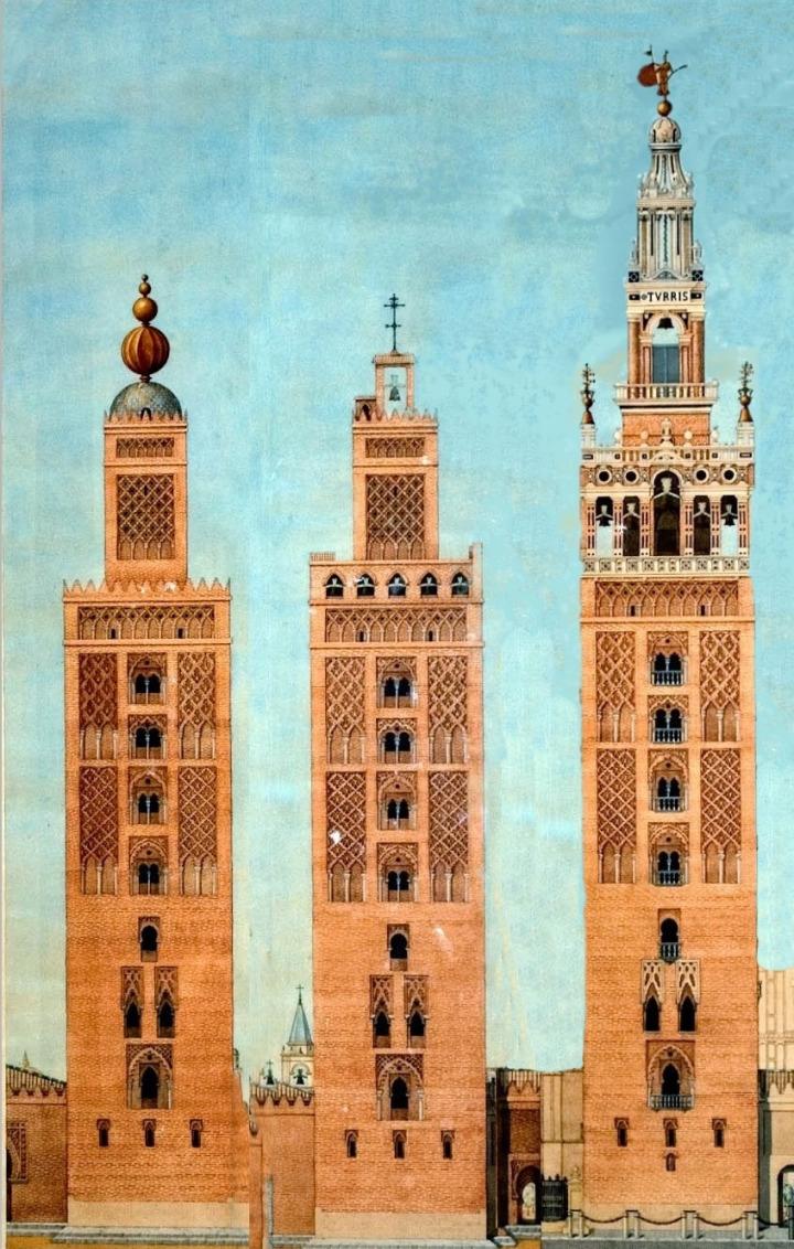 İşbîliye Ulucamii'nin 1198'deki minaresi (solda), ilk önce Hristiyan zaferini sembolize eden 4 adet bakır yıldız ile süslendi (ortada,1400), 1507'de ise üst tarafı yıkılarak, bir çan eklenmesi ile çan kulesine çevrildi (sağda).