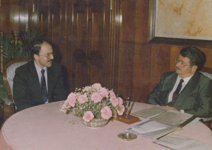 Mim Kemal Öke ve Turgut Özal.