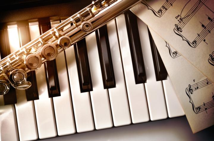 Enstrümantal müzik dinleyenlerin zeka seviyesin daha yüksek olduğu iddiası ortaya atıldı.