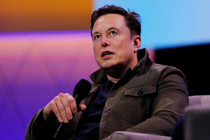 Elon Musk, Tesla ile günümüz elektrikli otomobil dünyasının en önemli figürü.