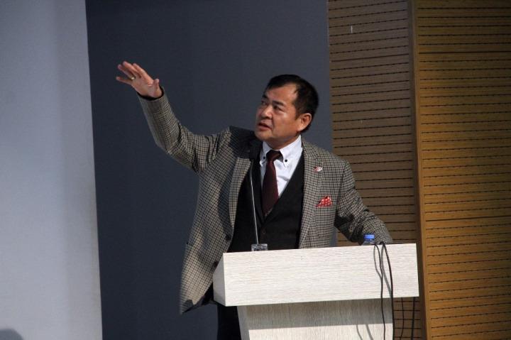 Japon Deprem Uzmanı ve Mimar Yoshinori Moriwaki'nin uyarılarını yaptığı konuşmasından.