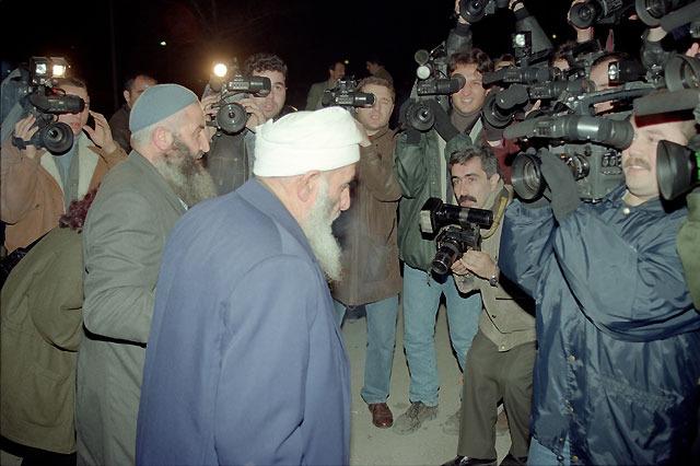 11 Ocak 1997: Din adamlarına verilen iftar, askerle hükümet arasında ilişkileri kopartma noktasına getirdi