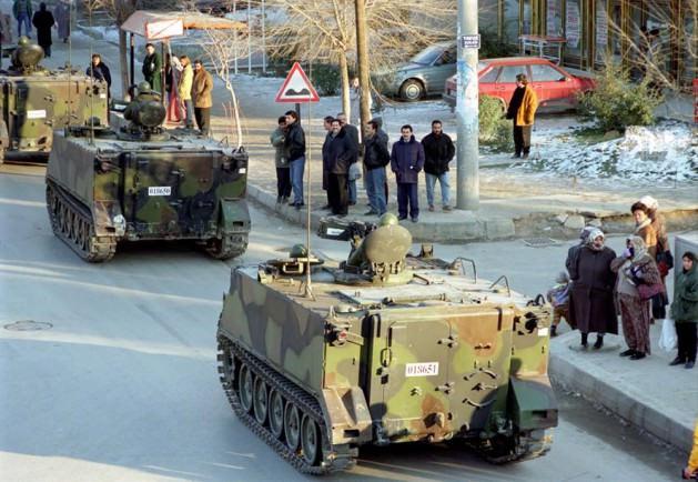 Demokrasiye balans ayarı: Tanklar Sincan'da