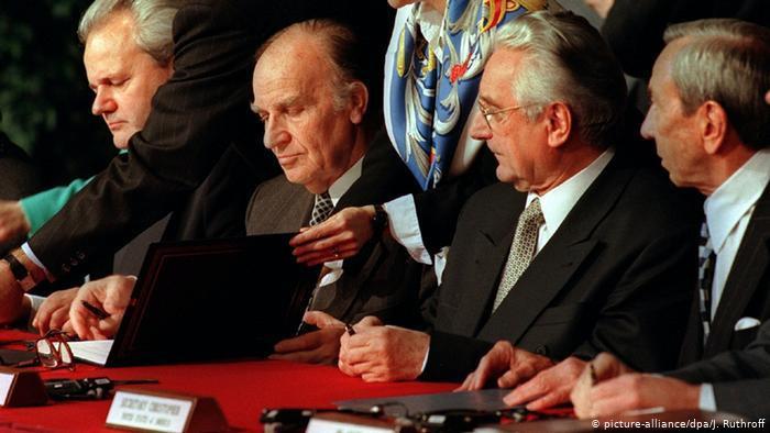 Bosna Savaşı'nı bitiren anlaşma, 1995'te ABD'nin Ohio eyaletindeki Dayton Hava Üssü'nde imzalandı