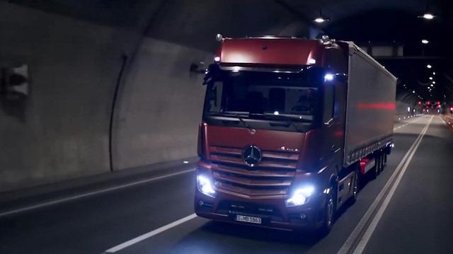 Mercedes teknolojiye doymuyor
