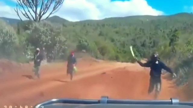 Kenya'da sıradan bir gün: Kasaturalı turist soygun girişimi
