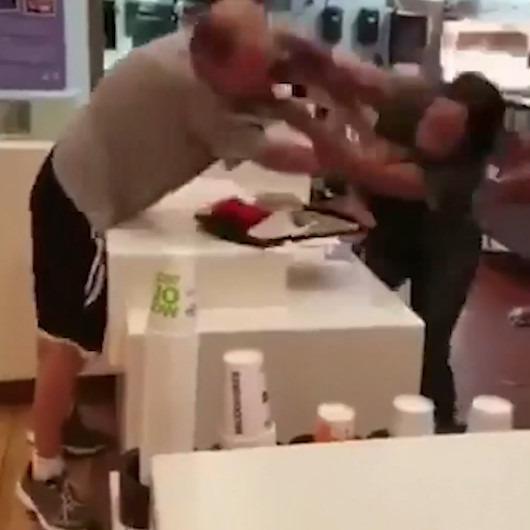 Ünlü fast food zincirinde ırkçı saldırı