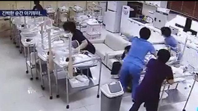 Deprem sırasında kendi canlarını hiçe sayıp bebekleri böyle korudular