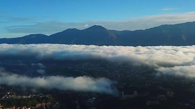 Venezuela'nın başkenti Caracas'ın havadan görüntüleri