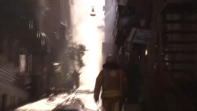 Beyoğlu'nda yangın: 4 kişi yaşamını yitirdi