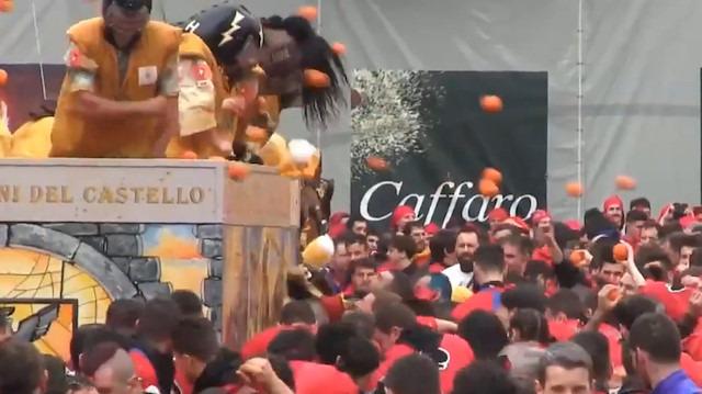İtalya'da portakal savaşları başladı
