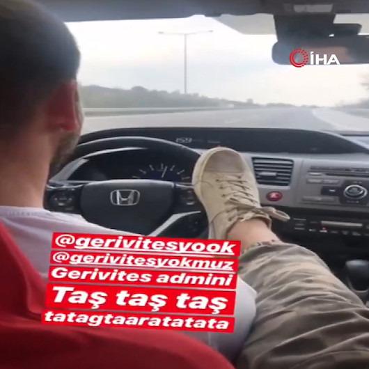 Arkadaşı aracı sürerken direksiyona ayağıyla yön verdi!