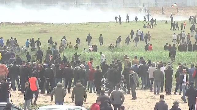 Gazze sınırında protesto: 100'den fazla Filistinli yaralandı