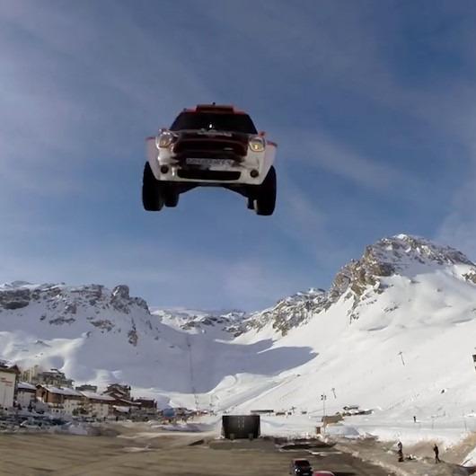Arabayla en uzun rampa atlama denemesi kabusa dönüyor