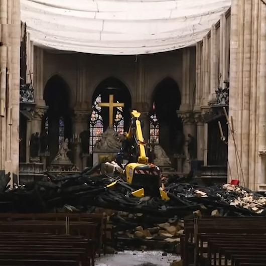 Yanan Notre Dame Katedrali'nin içinden yeni görüntüler