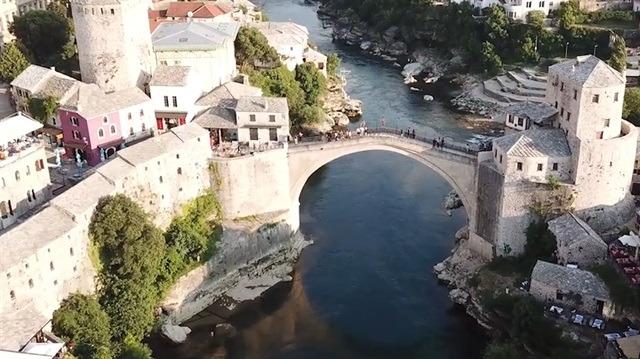 Mostar Köprüsü'nü bir de drone çekimiyle görün