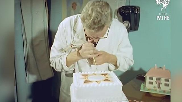 Pasta süsleme işi 1959 yılında bakın nasıl yapılıyordu
