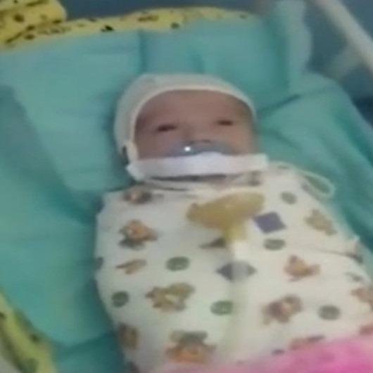 Kuvözdeki hasta bebeğe akılalmaz işkence