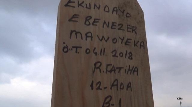 """Hristiyan futbolcunun mezar taşına """"Ruhuna Fatiha"""" yazdılar"""