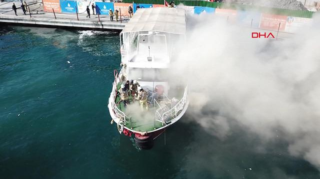 Sarıyer'de tur teknesinde yangın!