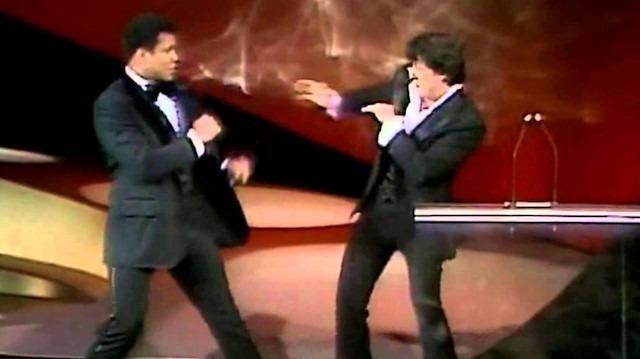 Rocky ödül alırken sahneye Muhammed Ali gelirse