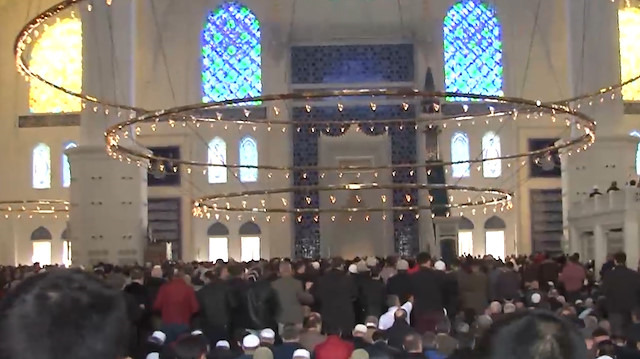 Çamlıca Camii'nde ilk cuma namazı heyecanı