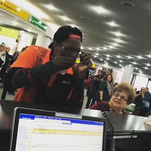 Anons cihazıyla havalimanında konser veren 'beatbox'çı