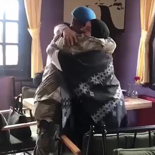 Askerden dönen Mehmetçik'ten annesine muhteşem sürpriz