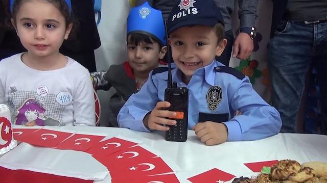 Kreşe kavga ihbarına giden polislere pastalı sürpriz