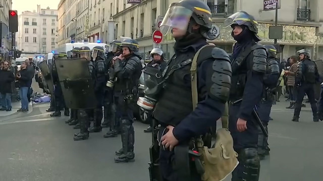 Sarı Yelekliler protestolarına devam ediyor