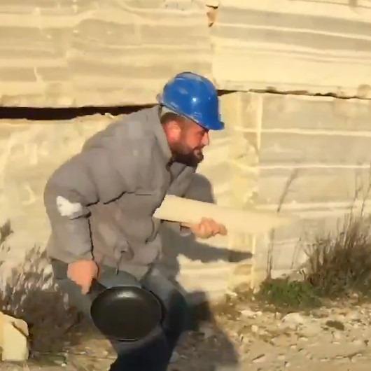 Silikon tabancası ile PUBG oynayan mermer işçileri